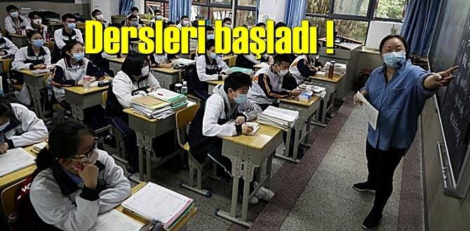 Orada Okullar açıldı! ders başı yaptılar!