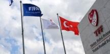 Türkiye Futbol Federasyonu, hakemlerin Kovid-19 testlerinin negatif çıktığını açıkladı!