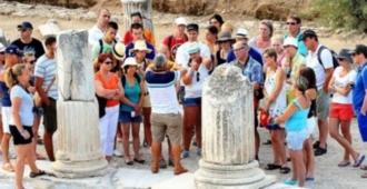 Bakanlık, Turist rehberlerine ilişkin yeni bir genelge yayımlandı!