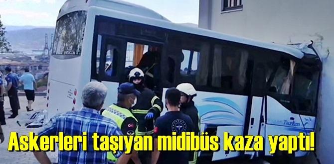 Kocaeli'nin Körfez ilçesinde, Askerleri taşıyan midibüs kaza yaptı!
