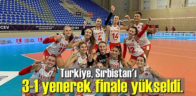 Kızlarımız Avrupa Voleybol Şampiyonası'nda finale kaldı!