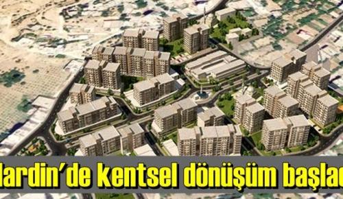 Mardin'in Yeşilli ilçesinde dönüşüm kapsamında yıkım çalışması yapıldı.