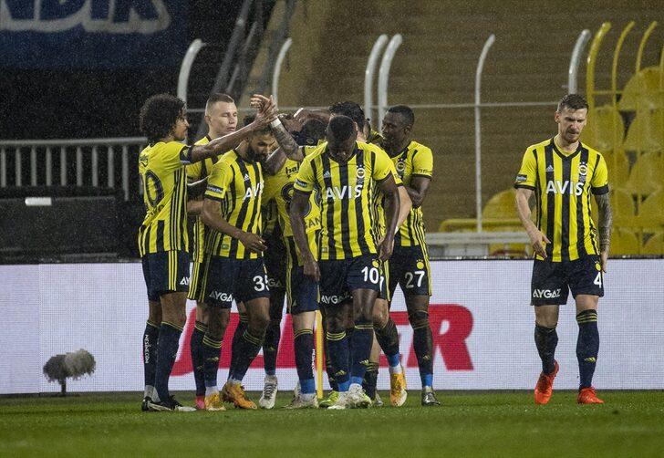 sarı-lacivertli ekip