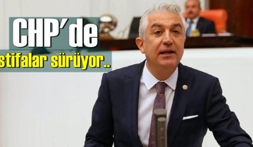 CHP'de Yaprak dökümü! Teoman Sancar parti üyeliğinden istifa etti